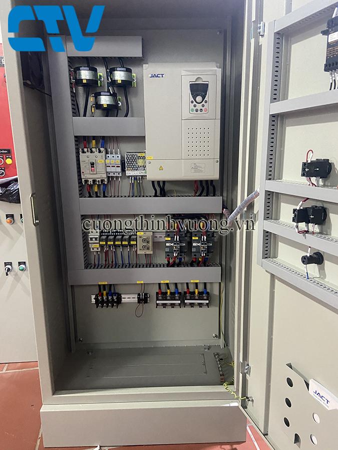 Tủ điện biến tần điều khiển máy bơm 37Kw
